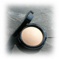 Baked Hydrating Powder Foundation -
